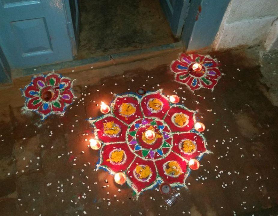 HAPPY TIHAR (oder DIPAWALI)